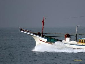 漁船疾駆1
