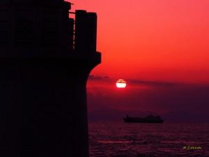 夕陽と灯台